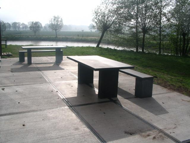 Beton Tafel Buiten : Beton tafels scholengemeenschap thorbecke zwolle