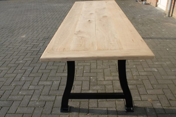 tafel liverpool staal